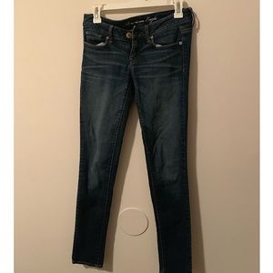 American Eagle Skinny jeans. Low rise.